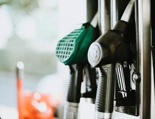 Preço médio da gasolina cai pela 12ª semana seguida, segundo ANP